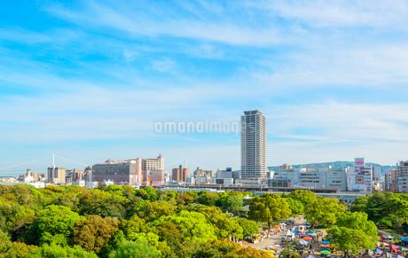 明石公園からの明石市の街並みの写真素材 [FYI01784081]