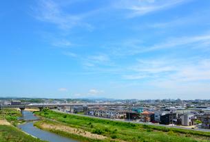 神戸市の新幹線が走る街並みの写真素材 [FYI01784153]