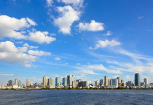 大阪市都心の街並みの写真素材 [FYI01784338]