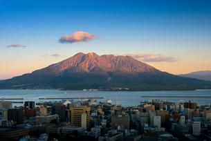 城山展望台からの桜島の写真素材 [FYI01784407]