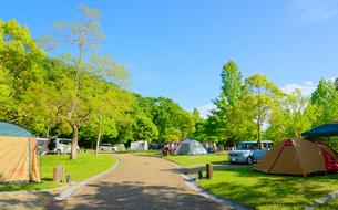 オートキャンプ場の写真素材 [FYI01784408]