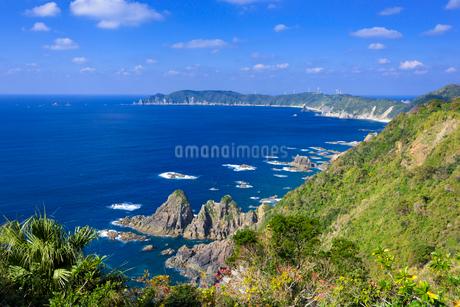 リアス式海岸展望所からの野間岬の写真素材 [FYI01784975]