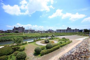 田川の遊歩道の写真素材 [FYI01785516]