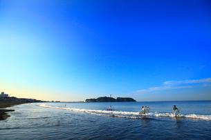 鵠沼海岸 江ノ島の写真素材 [FYI01785819]
