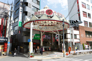 阿佐ヶ谷パールセンター 商店街の写真素材 [FYI01785874]