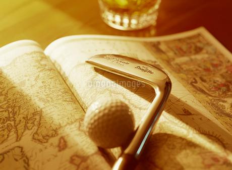ゴルフクラブと地図の写真素材 [FYI01788292]