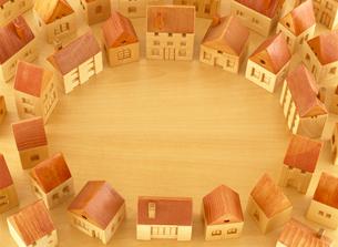 木の家の街の写真素材 [FYI01788357]