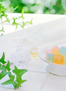 石鹸と化粧品の写真素材 [FYI01788373]
