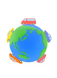 粘土の地球と5台の車の写真素材 [FYI01788440]