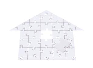 家型のジグゾーパズルの写真素材 [FYI01788919]