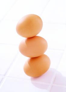 3個の卵の写真素材 [FYI01789055]