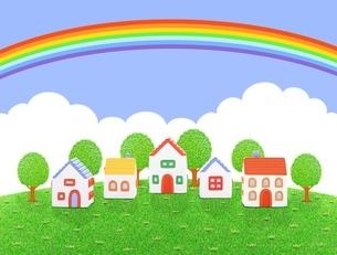 芝生の丘の5棟の家と虹のイラスト素材 [FYI01789627]