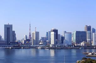 東京都心のビル群の写真素材 [FYI01790575]