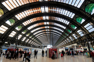 ミラノ中央駅の写真素材 [FYI01790791]