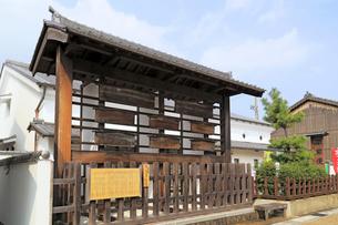 旧東海道関宿の高札場の写真素材 [FYI01790842]