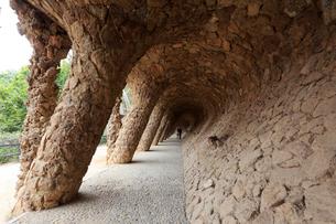 グエル公園の回廊の写真素材 [FYI01790984]