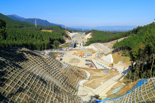高速道路建設現場の写真素材 [FYI01791351]