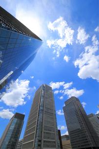 青空と高層ビル群の写真素材 [FYI01791451]