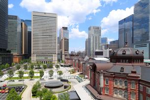 東京駅丸の内駅前広場の写真素材 [FYI01791532]