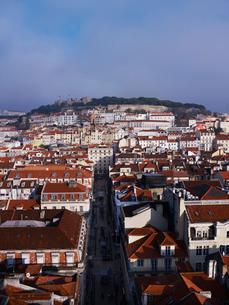 サンタ・ジェスタのエレベータから望むリスボン市街の写真素材 [FYI01791917]