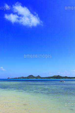 沖縄・石垣島 底地ビーチの写真素材 [FYI01792049]