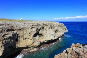 沖縄・波照間島 高那崎から望む海の写真素材 [FYI01792111]