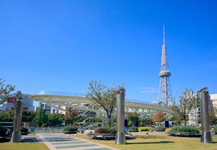 オアシス21と名古屋テレビ塔の写真素材 [FYI01792266]