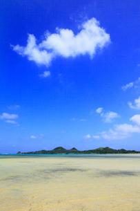 沖縄・石垣島 底地ビーチの写真素材 [FYI01792290]
