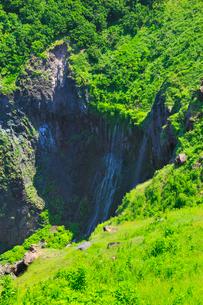 フレペの滝と断崖の写真素材 [FYI01792295]