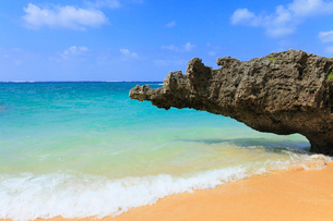 沖縄・石垣島 サンセットビーチの写真素材 [FYI01792308]