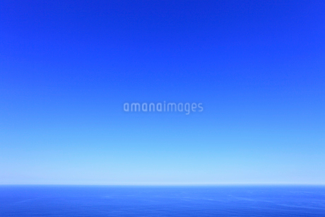 青空と海の写真素材 [FYI01792395]