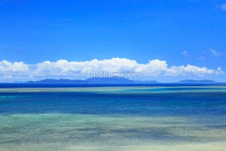 沖縄・西表島 伊武田崎から望む海の写真素材 [FYI01792467]
