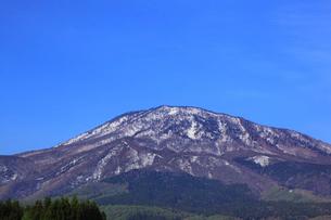 妙高高原・杉野沢から望む黒姫山の写真素材 [FYI01792846]