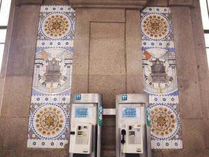 ポルト市サン・ベント駅構内のアズレージョの写真素材 [FYI01793032]