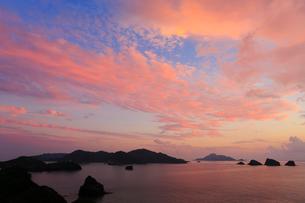 慶良間諸島,座間味島,稲崎展望台から望む夕焼けの写真素材 [FYI01793495]
