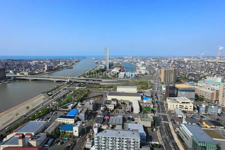 メディアシップから望む新潟市街展望と信濃川の写真素材 [FYI01793506]