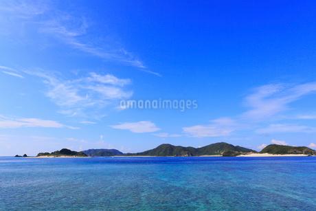 慶良間諸島,座間味島から望む嘉比島の写真素材 [FYI01793693]