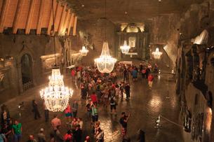 ヴィエリチカ岩塩坑の聖キンガ礼拝堂の写真素材 [FYI01794211]