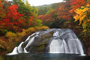 花巻温泉 釜淵の滝の写真素材 [FYI01794495]