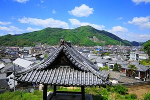西方寺と竹原の町並みの写真素材 [FYI01794562]