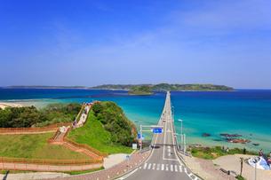 角島大橋と角島の写真素材 [FYI01795963]