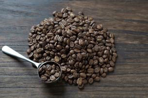 コーヒー豆の写真素材 [FYI01796275]