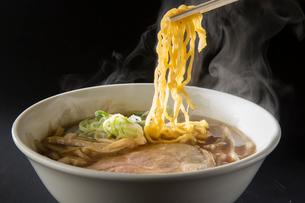 札幌醤油ラーメンの写真素材 [FYI01797038]