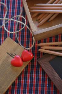 バレンタイン,ハートのチョコレート,赤色の写真素材 [FYI01797463]