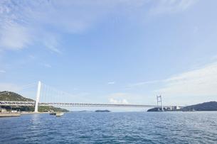 下津井港と瀬戸大橋の写真素材 [FYI01797708]