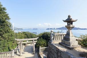 祇園神社から臨む瀬戸内海の写真素材 [FYI01797834]