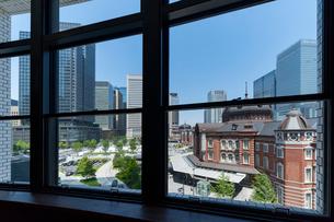東京駅丸の内口の風景の写真素材 [FYI01797886]