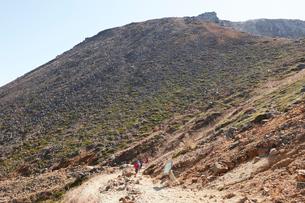 那須岳トレッキングの写真素材 [FYI01797946]