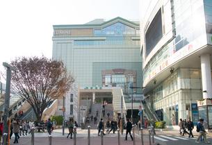 新宿駅南口の写真素材 [FYI01797961]