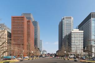 行幸通りより丸の内、東京駅を望むの写真素材 [FYI01797996]